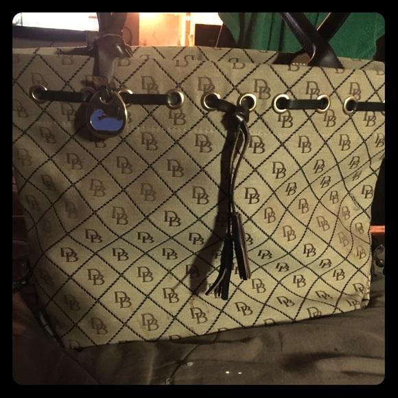 Dooney & Bourke Handbags - Dooney & Bourke Bucket Bag